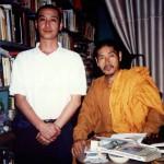 佐々井秀嶺師(右)と当会スタッフ